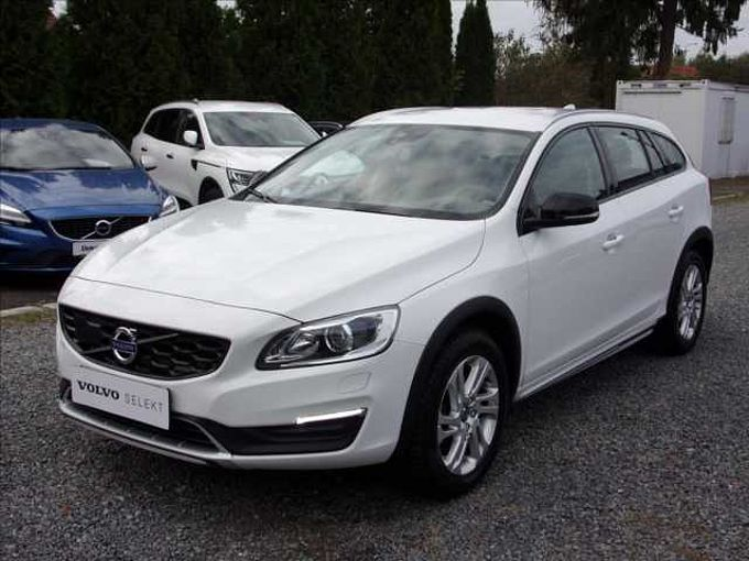 Volvo V60 2,4 D4 AWD  CROSS COUNTRY